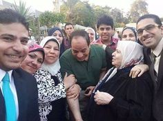 البطــــــــــــــــــــــل President Of Egypt, Egyptian, Presidents, History, Couple Photos, Couples, Fashion, World, Couple Shots