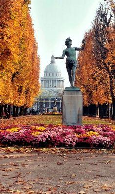 Autumn at Luxembourg Gardens, Paris.
