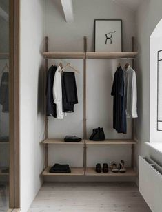Home interior design minimalist Ideas Design Minimalista, Interior Minimalista, Decorate My Room, Interior Design Minimalist, Minimal Home Design, Japanese Interior Design, Simple Interior, Classic Interior, Appartement Design