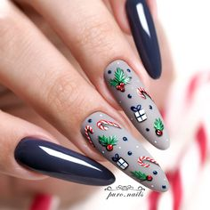 We're always looking for new winter nails to celebrate winter holiday season. Nail Art Noel, Xmas Nail Art, Cute Christmas Nails, Xmas Nails, Christmas Nail Designs, Diy Nails, Cute Nails, Pretty Nails, Christmas Decorations