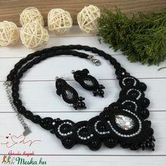 Elegancia fekete-fehér sujtás nyaklánc nyakék fülbevaló szett esküvő alkalmi koszorúslány örömanya násznagy elegáns alka (Arindaekszerek) - Meska.hu Ale, Crochet Necklace, Jewelry, Fashion, Elegant, Crochet Collar, Jewellery Making, Moda, Jewelery