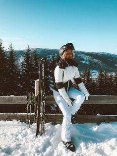 Looks para esquiar com muito estilo Mode Au Ski, Foto Top, Snow Pictures, Foto Casual, Ski Vacation, Ski Season, Sports Models, Ski Fashion, Winter Pictures