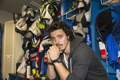 Roman Wick, player for the ZSC Lions, and his new watch from Maurice de Mauriac.
