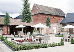 3 Stunning Staffordshire Wedding Venues - Packington Moor | CHWV