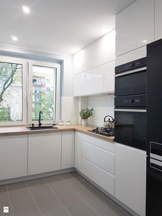 white kitchen design ideas for the heart of your home - home decorating ideas - Küchen design - Decorixs Home Decor Kitchen, Kitchen Remodel, Small Space Kitchen, New Kitchen, Kitchen Room Design, Kitchen Layout, Modern Kitchen Design, Kitchen Renovation, White Kitchen Design
