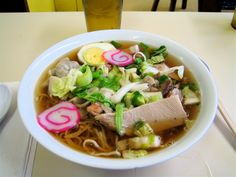 How to make Hawaii-style saimin broth (and mail order Hawaii noodles on the Mainland) by Chris Bailey | HAWAII Magazine | Hawaii news, events, places, dining, travel tips & deals, photos | Oahu, Maui, Big Island, Kauai, Lanai, Molokai: The Best of Hawaii