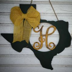 Personalized monogrammed Baylor green and gold Texas door hanger // #SicEm