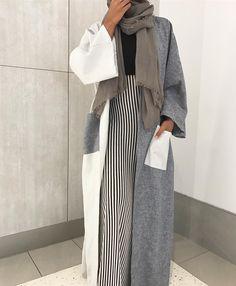 fashion Source by outfits muslim Iranian Women Fashion, Islamic Fashion, Muslim Fashion, Modesty Fashion, Abaya Fashion, Fashion Outfits, Fashion Fashion, Estilo Abaya, Modele Hijab