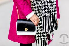 Bufanda Pata de Gallo Crimenes de la Moda Houndstooth scarf Promod - abrigo rosa fucsia Sheinside Pink coat - bolso Stella Rittwagen handbag - pantalones IKKS pants