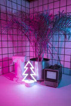 Aesthetic Wallpaper Neon 70 Ideas For 2020 Purple Aesthetic, Aesthetic Rooms, Retro Aesthetic, Wallpapers Tumblr, Tumblr Wallpaper, Neon Wallpaper, Iphone Wallpaper, Wallpaper Wallpapers, Wallpapers Android