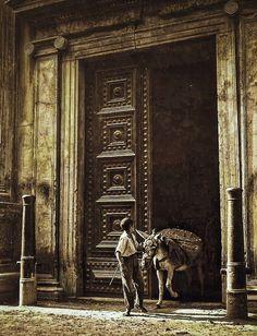 Burro sacando escombros del Palacio Carlos V. Granada, Alhambra Spain, Andalusia, Painting, Vintage, Art, War, Old Photography, Antique Photos