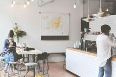 City guide Montréal: Rendez-vous au café Larue & Fils avec Olivier, co-fondateur de Bec Cola, le 1er soda Québécois et bio, qui nous parle de ses valeurs et de son Montréal. Guide, Bio, Olive Tree