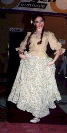 736b8b2d09 Las 12 mejores imágenes de ropa folklóricas