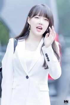 South Korean Girls, Korean Girl Groups, Cloud Dancer, G Friend, Kpop, Music Photo, Ultra Violet, Pin Up, Actresses