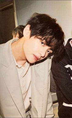 Kim Taehyung Funny, V Taehyung, Daegu, Bts Boys, Bts Bangtan Boy, Bts Pictures, Photos, Bts Polaroid, V Bts Wallpaper