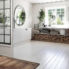 Kitchen Interior, Room Interior, Hygee Home, Long Week-end, Painted Wood Floors, Beautiful Interior Design, Vintage Diy, Cottage Homes, Home Office Decor