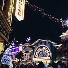 Downtown Disney!! <3