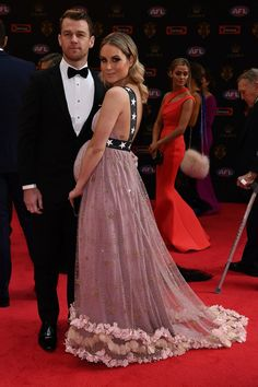 Every Sexy Gown From the 2017 Brownlow Awards One Day Bridal, Sexy Gown, Maternity Fashion, Maternity Style, Red Carpet Dresses, Bridal Gowns, Awards, Dressing, Formal Dresses