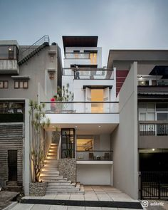 White Cliff House / RDMA Completed in 2017 in Cidadap, Indonesia. Images by Nilaiasia. On a sloppy narrow land measuring x 25 meter, 3 programs were built within steps and planter boxes arranged naturally as a hardscape stretched. House Front Design, Small House Design, Modern House Design, Small Cafe Design, Minimalist House Design, Architecture Design, Modern Architecture House, Architecture Sketchbook, Victorian Architecture