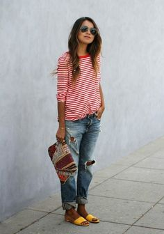 Fashion & Style Inspiration: Cute and casual outfit - boyfriend jeans, red and white striped shirt and yellow shoes. Boyfriend Jeans kombinieren: Looks für jede Figur Mode Outfits, Jean Outfits, Casual Outfits, Fashion Outfits, Casual Jeans, Stylish Mom Outfits, Travel Outfits, Fashion Mode, Look Fashion