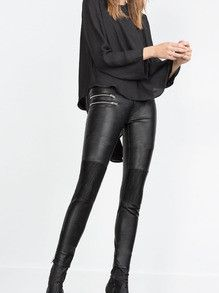 Black Leather Pants with Zipper Pocket Trendy and Sexy Leather Pants. You cannot go wrong with a sexy pair of leather pants a plain white tee and accent it with jewelry. Leather Pants are the in trend Leather Tights, Black Leather Pants, Black Pants, Pu Leather, Streetwear Mode, Streetwear Fashion, Slim Pants, Skinny Pants, Up Girl