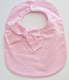 Girl baby bib / polka dot baby bib / pink baby bib por FHJBaby