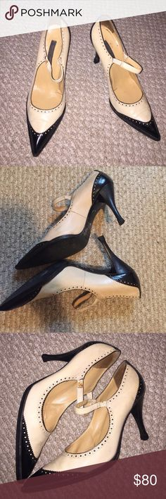 Sale 👠Sergio Rossi Oxford heels Gorgeous leather tan and black Oxford Mary Jane heels size 37 1/2 Europe 7 1/2 USA . This shoes have been well loved but have tons of life left . Heels have been recently replaced . Sergio Rossi Shoes Heels