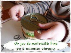 Une activité motricité fine sans préparatif ! |La cour des petits http://www.lacourdespetits.com/activite-motricite-fine/ #motricite #fine #maternelle