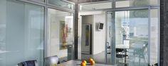 In huis speelt ventilatie een belangrijke rol. Belangrijk hierbij is dat u frisse lucht naar binnen laat, maar insecten buiten houdt. Luxaflex® Horren zijn hiervoor de ideale oplossing en bieden volop mogelijkheden voor vrijwel ieder raam of deur. De Horren worden voor u op maat gemaakt van alleen de beste materialen. Blinds, Oversized Mirror, Divider, Room, Furniture, Home Decor, Bedroom, Decoration Home, Room Decor