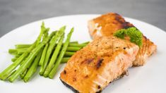 Salmon Fillet Recipes Oven, Cooking Salmon Fillet, Baked Salmon Recipes, Fish Recipes, Bake Frozen Salmon, Salmon Fillets, Dinner Recipes, Dinner Ideas, Easy Meals