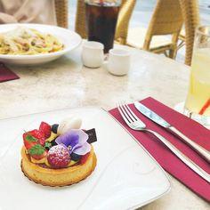 アニヴェルセルカフェ表参道 公式さん(@anniversaire_cafe) • Instagram写真と動画 Cheesecake, Desserts, Instagram, Food, Tailgate Desserts, Deserts, Cheesecakes, Essen, Postres