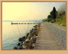 Moniga - Spiaggia deserta di Domenico Cimino #LagodiGarda #LakeGarda #Gardasee…