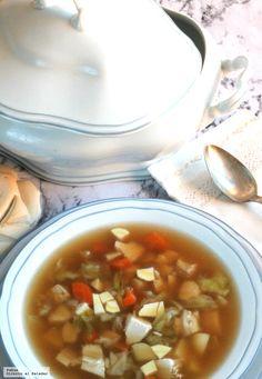 Sopa reconfortante de pollo y miso con verduras. Receta para combatir el frío