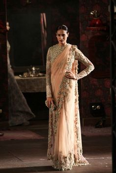 Sabyasachi at India Couture Week 2014 dis sari is jst fabulous its like an indian d&g its modern wid a rich past i luvit!