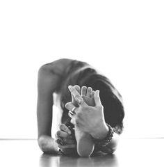 yoga photography / yoga - yoga poses for beginners - yoga poses - yoga fitness - yoga quotes - yoga inspiration - yoga photography - yoga room Ashtanga Yoga, Iyengar Yoga, Yoga Meditation, Yoga Positionen, Yoga Art, Mindfullness Meditation, Yoga Flow, Yoga Handstand, Namaste Yoga