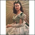 British actress Vivien Leigh on the set of 'Gone with the Wind', based on the novel by Margaret Mitchell and directed by Victor Fleming. Vivien Leigh, Scarlett O'hara, Classic Hollywood, Old Hollywood, Hollywood Icons, Hollywood Actresses, Film Mythique, Rhett Butler, Margaret Mitchell
