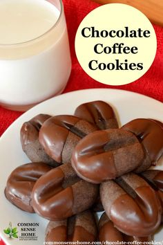 Chocolate Coffee Cookies (Reindeer Print Cookies) Chocolate Coffee Cookies - These coffee flavored cookies include cocoa in the dough, combined with semi sweet or dark chocolate coating. Cookie Desserts, Just Desserts, Delicious Desserts, Dessert Recipes, Yummy Food, Cookie Flavors, Tasty, Biscuits Au Café, Coffee Biscuits