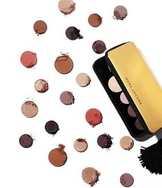 From desk to dancefloor: the Object of Desire palette will keep your face flawless and your holiday look epic. #MarcJacobsBeauty ✨ #MarcTheNight