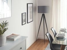 Harmaa lattiavalaisin STILETTO_687218 Beliani, Industrial Interior, Tripod Floor Lamps, Tripod Lamp, Lamp, Interior, Floor Lamp Grey, Home Decor, Interior Trend