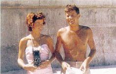 John & Jackie via Patterson Maker john-f-kennedy-and-his-family: in Palm Beach. Les Kennedy, Jacqueline Kennedy Onassis, Jackie Kennedy, Dallas, Jfk Jr, John Fitzgerald, Palm Beach, American, Guitar