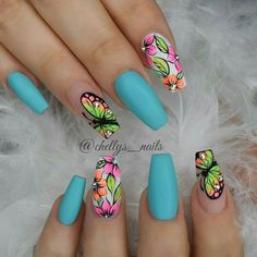 Butterfly nail art designs are loved by women because of its cute, colorful, beautiful patterns and symbolic significance, or simply because the design of butterfly nails has produced attractive effects on nails. Dope Nails, Neon Nails, My Nails, Perfect Nails, Gorgeous Nails, Pretty Nails, Butterfly Nail Art, Flower Nail Art, Nail Art Designs