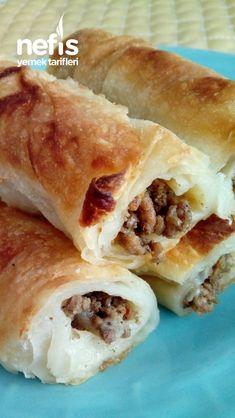 Kıymalı Çıtır Börek #kıymalıçıtırbörek #börektarifleri #nefisyemektarifleri #yemektarifleri #tarifsunum #lezzetlitarifler #lezzet #sunum #sunumönemlidir #tarif #yemek #food #yummy Mince Pies, Hot Dog Buns, Hot Dogs, Spanakopita, Burritos, Bread, Ethnic Recipes, Food, Ship