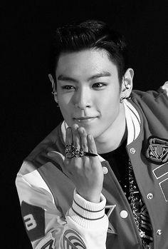 🤗🤗 oh Top so handsome😊 Daesung, T.o.p Bigbang, Btob, K Pop, Sung Lee, Rapper, Big Bang Kpop, The Bigbang Theory, G Dragon Top