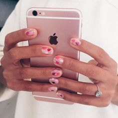 Rose gold 6s+ and little  for the almost birthday girl ☺️ #nailsbymei @ciaomanhattan2012