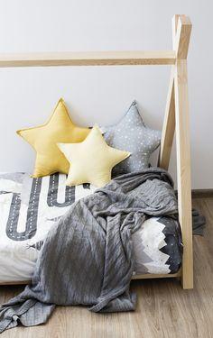 Kinder Tipi ist ein fantastisches Bett zum Schlafen und Spielen. Dieses entzückende Kinder Tipi wird Ihr Kinderzimmer zu einem besonderen Ort machen. Dieses einzigartige Bett ist eine gute Idee für ein Geschenk oder einfach nur um das Bett zu einem Lieblingsplatz für Ihr Kind zu machen, wo er schlafen kann, Bücher lesen, spielen, Zeit mit Spielen verbringen und einfach nur lügen und Cartoons gucken. Besuchen Sie www.adekostolnia.pl für weitere tolle Ideen