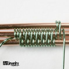 3 Essential Wire Weaves by Art Jewelry Magazine - free until February 25, 2013.