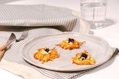 Oh la la(tkes) - Oh La Latkes Foodblogger, Panna Cotta, Crisp, Lunch, Plates, Dinner, Tableware, Ethnic Recipes, Potato Latkes