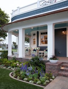 Awesome 30+ Idea For Front Porch Area https://gardenmagz.com/30-idea-for-front-porch-area/