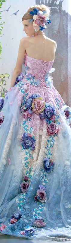 Stella de Libero haute couture Who could ever wear it? But oh so gorgeous to look at.