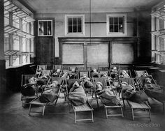 Fresh air class in Public School of Manhattan, N. Photographed in 1911 by Jessie Tarbox Beals. Summary: Children wrapped in blankets, lying on cots. Vintage Photographs, Vintage Photos, Vintage Items, Kids Wraps, Old School House, School Days, School Reopen, Parks Department, Outdoor School